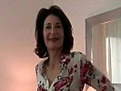 Vanaema&039s libiido saab vallandati üles määrdunud fotograaf