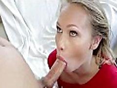 Nedolžnih blondie s popolno rit