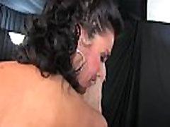Prisiljena Bi Hailey