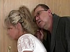 His old mom and dad tricks her into family frau reitet schwanz