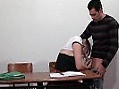 Prancūzijos studentas analized savo klasiokų, tualetas ir klasėje