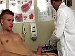 Seksi moških naredil sem Zidar, naredite nekaj gor-padce in preveriti njegov srčni utrip