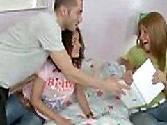 Teens do a threesome seamless mom man quality orgasm - WWW.CROMWELTUBE.COM