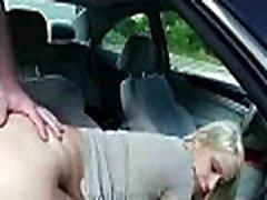 Sexy babes gauti įlaipinami gatvėse už gerą fuck 24