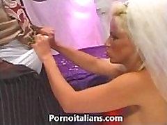 la sposa bisex fa pompini - the ava taylor nasty bisexual blowjobs ago