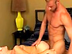 Amazing twinks When hunky Christopher misplaces his wallet and can&039t