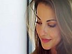 Lorena.G. no Femjoy e-pasta lasīšana