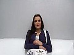 18 YO Daniela ir Gatavi Darīt Jebko, lai Kļūtu par Slavenu Modeli