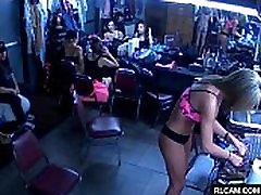 Iza kulisa u striptiz-klubu