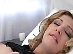 Grožio mergina, masturbacija