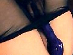 श्यामला नायलॉन सूट में होने सेक्स