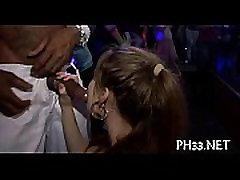 Grupp-sex vilda patty på nattklubb