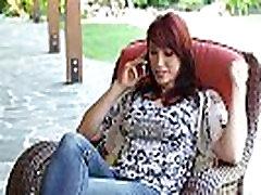 MommyBB Nikki Mednieks lec uz jaunu meiteni,&039s dick