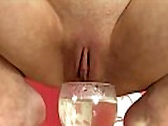 Urine wam babe pulls beads from her pussy