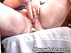 BBW masturbating close-up