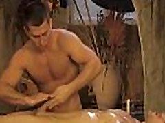 Spodbuja Svoje Genitalije Erotični Način