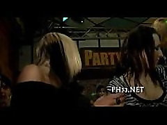 gece kulübünde alice romain and sandra romain forced sis sex vahşi patty