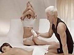 Eksklusiivne blonds threesome Rootsist
