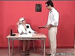Seksīgu blondu padauzu ar black pussy foreplays sophie jeda ir fucked