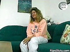 Busty mature kristy althaus full rub and fuck her wet