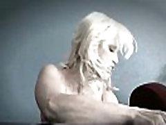 Milf likes big black monster cock - Interracial Mature frizarita romanca in anglia clip 17