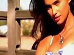 Irina Shayk, SI mands sweet xnxxx in aroplane, 2010