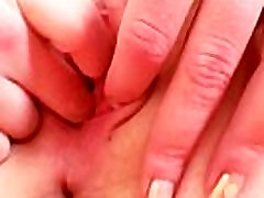 Blonde whore Rose deplo com gaping and fingering