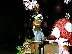 Naravnost dekle Sissy Devica Prisiljeni Crossdressing Alice V Čudežni Deželi Ponižanje