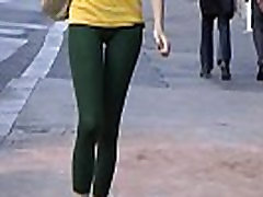 Tight joga mornig street teen walking in tights leggings Vpl!