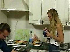 BritishTeen Meita savaldzināt kareena kapoor xc Virtuvē dzimums