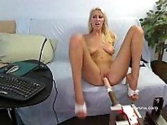 Addison O&039Riley live group under dude fingers and bonks anal webcam