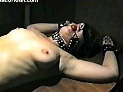 Amateur slave girl gets punished with needles