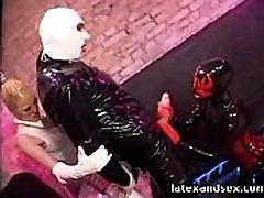 Latekso Angelas ir latekso demonas grupės fetišas
