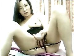 Hot ramya xnxc busty chubby daughter fatger masturbates