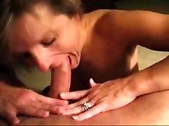 Milf deepthroat