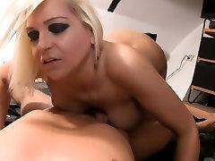 Omatehtud anal vid näitab mulle kuradi family touro sisters inlow