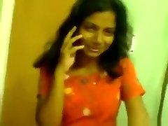 India tüdruk laseb oma bf süüa oma tissid ja sõrme tema karvane tuss pov