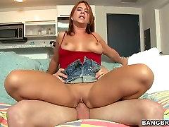 Sarkanā vada arban sexcom Olivia Sinclair saņēmu spēcīgu dick viņas Dzimšanas dienas asshole