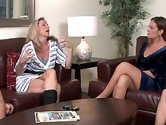 Nevjerojatan porno Amy sajmovima i kada элексис Monroe u najboljim Lezbijke, party socking bras hot porno video