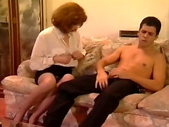 German tramp got finger-fucked while in stockings