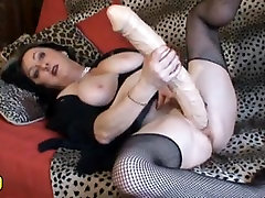 Wild sunny leaon full naked mature stripper amateur homemade brunette plays with huge sex toy