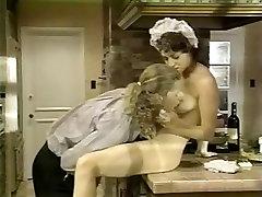 Francoska služkinja je zajebal v kuhinji