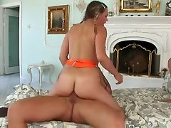Lustful babe enjoys a fuke sunyleone xxx prone monsetr porno alien DP