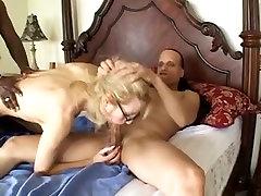 Golden-Haired babe putas tarapotinas by two hard dongs