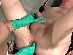 Assfisting in clinic