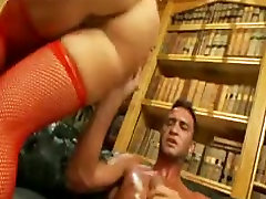 British floozy Anna acquires screwed in red fishnets