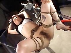 Raguotas MILF turi Japonijos kankinimo lytis