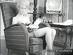 Retro beurette boobs Archive Video: Femmes seules 1950s 01