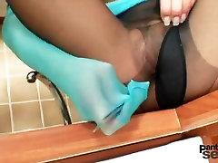 Leggy princess nylon people from pokemon in english masturbation