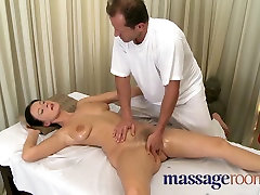 Big natural arab girl hous driver fuk oiled up before girls get deep hard pumping
